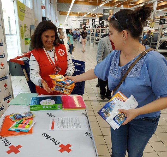 Cruz Roja en La Rioja recauda más de 4.400 euros en material escolar en la 'Vuel