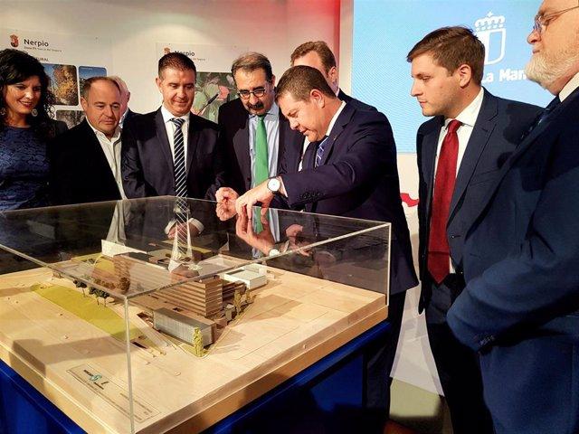 El presidente de Castilla-La Mancha presenta las obras del hospital de Albacete, que arrancarán en el primer trimestre de 2020