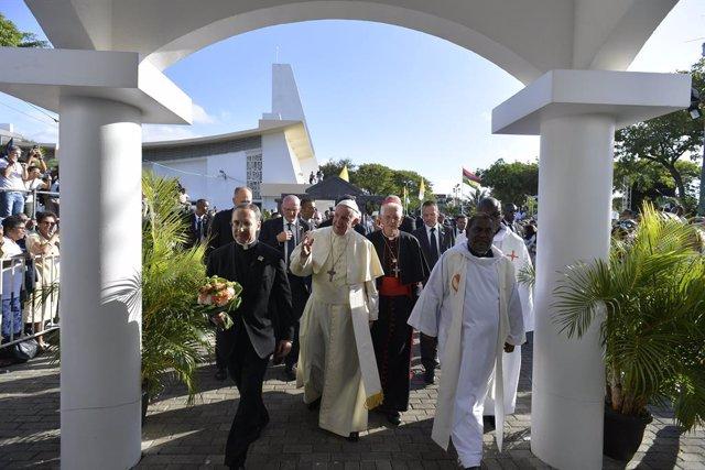 El Papa culmina su cuarto viaje a África, donde clamó contra la corrupción y por
