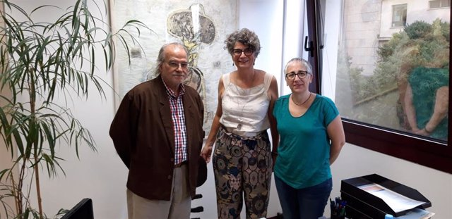Andreu Manresa, de IB3, y Agustina Vilaret y Beatriu Defior, del Govern balear