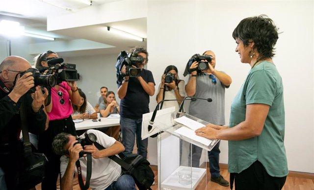 La coordinadora general de Podemos Andalucía y presidenta del grupo parlamentario de Adelante Andalucía, Teresa Rodríguez, durante la rueda de prensa