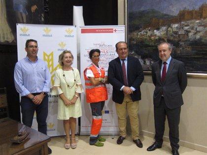 Un total de 527 personas vulnerables consiguen un empleo gracias a un programa de Cruz Roja y Caja Rural de Extremadura