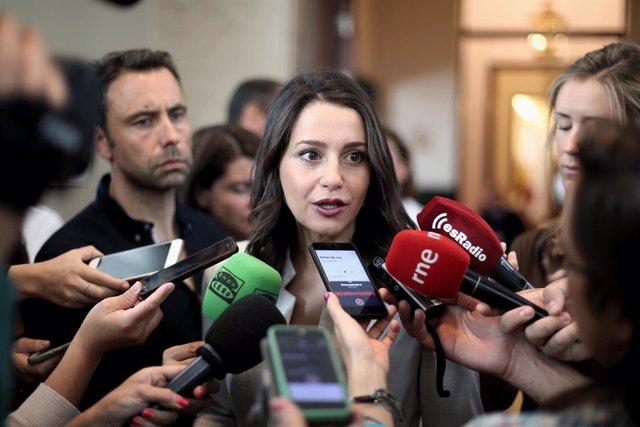 La portavoz parlamentaria de Ciudadanos, Inés Arrimadas, ofrece declaraciones a los medios de comunicación antes de la Junta de Portavoces del Congreso de los Diputados en Madrid (España), a 10 de septiembre de 2019.