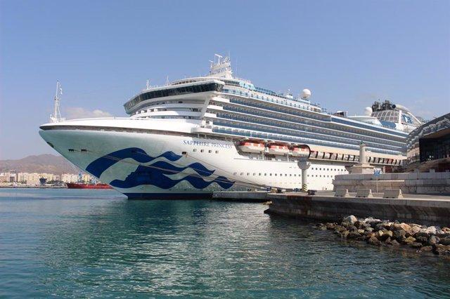 El crucero Sapphire Princess visita por primera vez el puerto de Málaga