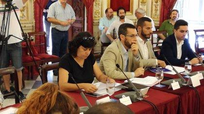 IU pide en Cádiz un plan de choque urgente contra el alga invasora y una mesa de trabajo con todas las partes implicadas