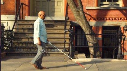 Un ingeniero ciego desarrolla un bastón inteligente que usa sensores y Google Maps para facilitar el desplazamiento