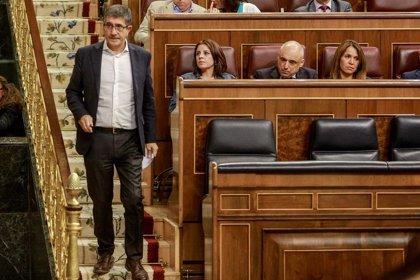La oposición acusa al PSOE de usar el debate sobre la eutanasia como acto de campaña