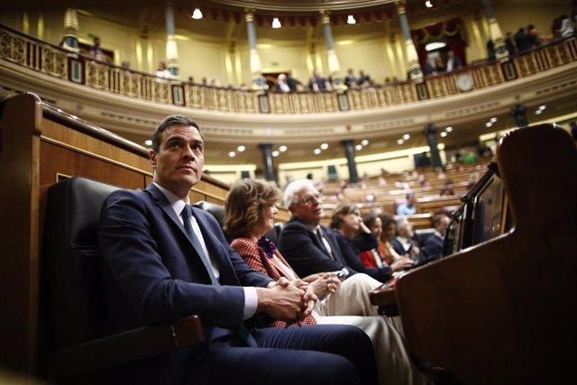 El president del Govern en funcions,  Pedro Sánchez, assegut en el seu escó al Congrés