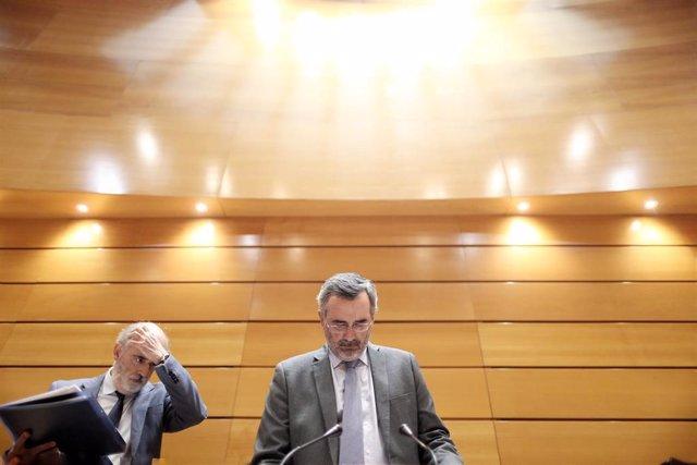 El presidente del Senado, Manuel Cruz (d), durante la primera sesión plenaria de la  XIII Legislatura en el Senado, en Madrid (España), a 10 de septiembre de 2019.