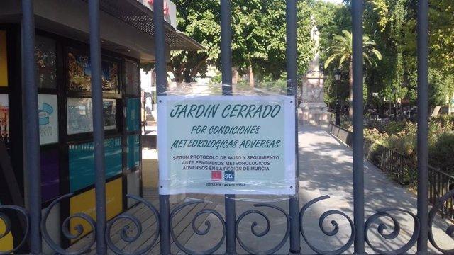 Jardín de Floridablanca, cerrado por condiciones meteorológicas adversas