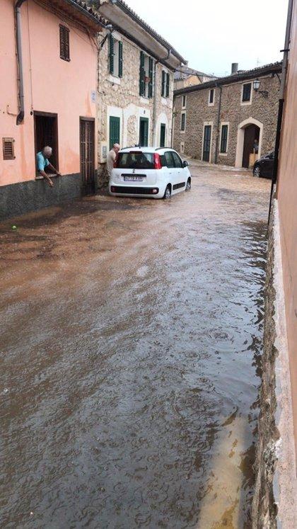 El 112 gestiona 72 incidentes hasta las 20.00 horas relacionados con la tormenta en Baleares