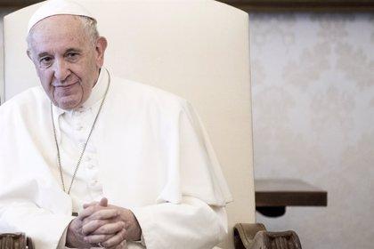 """Papa Francisco.- El Papa: """"Iré a España si sigo vivo, pero la prioridad son los países pequeños"""" de Europa"""