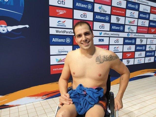 El nadador español Toni Ponce