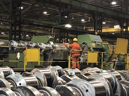 La producción industrial cae un 0,6% en julio