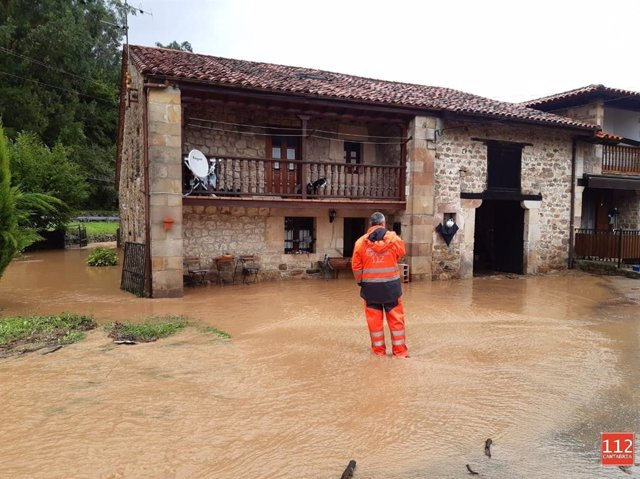 Desbordamiento del río Saja en Sopeña