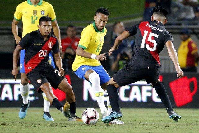 Fútbol.- Perú se toma la revancha y amarga el debut de Vinicius con Brasil y Arg