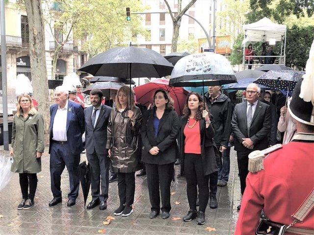 Ofrenda del Ayuntamiento de Barcelona por la Diada: Elsa Artadi, Ernest Maragall, Albert Batlle, Laia Bonet, Ada Colau, Laura Pérez, Josep Bou
