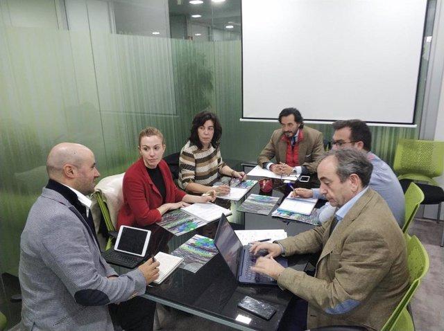 Reunión de integrantes de la compañía salmantina Neurofix Pharma.