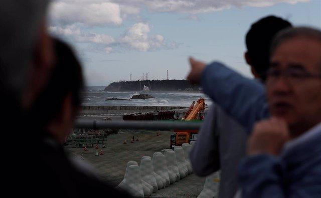 Imagen de archivo de una visita de turistas a Fukushima