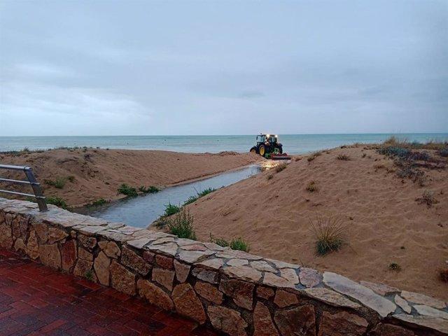 Trabajos de prevención en Peñiscola por las lluvias