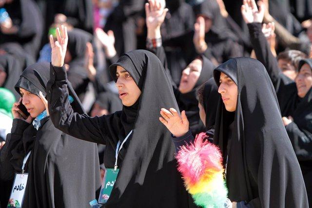 Irán.- Irán mantiene el veto a las mujeres en los estadios pese a la polémica po