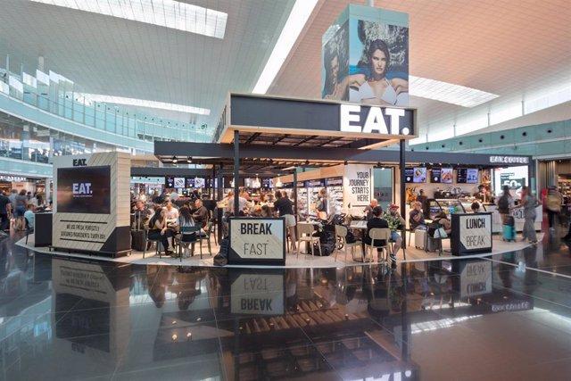 Restaurant 'Eat.' en la terminal 1 del Sky Center de l'Aeroport de Barcelona