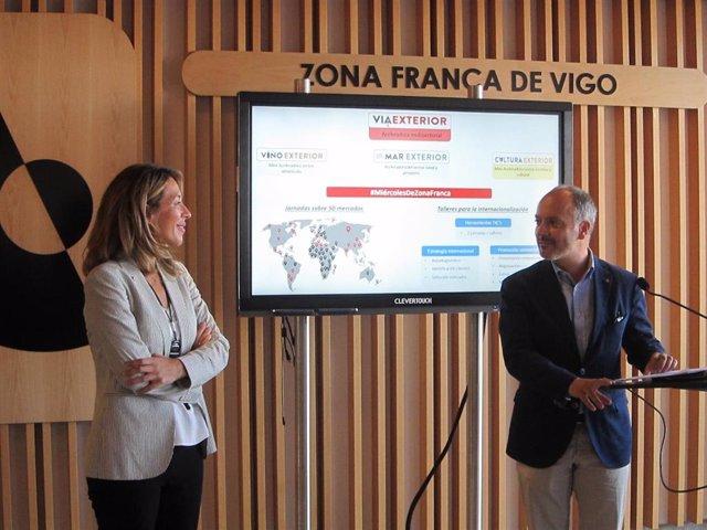 La secretaria de Estado de Comercio, Xiana Margarida Méndez, y el delegado del Estado en la Zona Franca, David Regades, han presentado el programa este miércoles