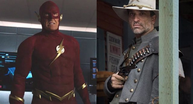 John Wesley Shipp en The Flash y Johnathon Schaech en Legends of Tomorrow