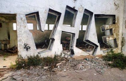 """Este artista del grafiti tiene el poder de hacer """"invisibles"""" los muros usando únicamente pintura en aerosol"""