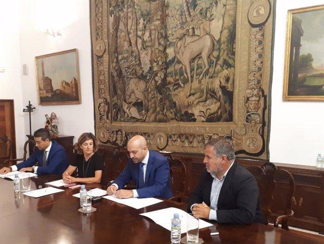 Firma del convenio segunda edición de Sámara Emprende
