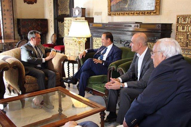 Los alcaldes de Sevilla y Lisboa, durante la reunión