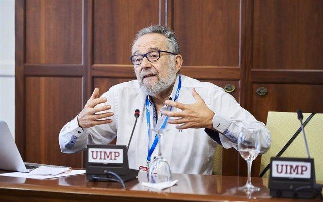 El profesor emérito del departamentos de Análisis Económico en la Universidad de Zaragoza Pedro Arrojo