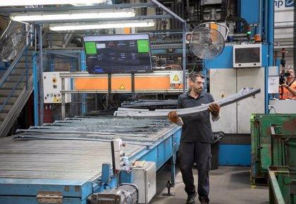 AMP.- La producción industrial de Andalucía sube un 0,3% en julio