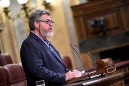 El diputado de Equo Juantxo López de Uralde durante su intervención en el Pleno del Congreso