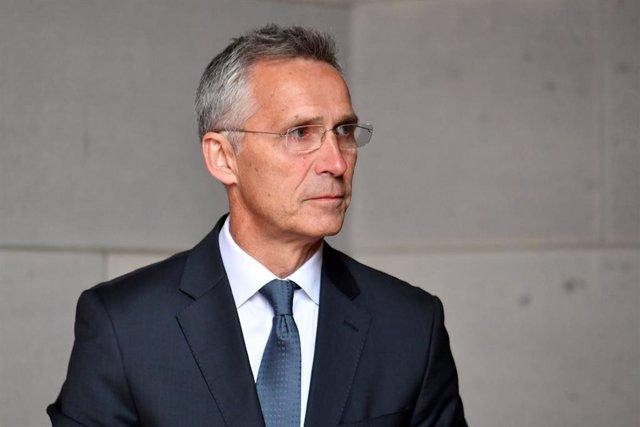 Afganistán-Stoltenberg dice que habrá que retomar negociaciones con los talibán