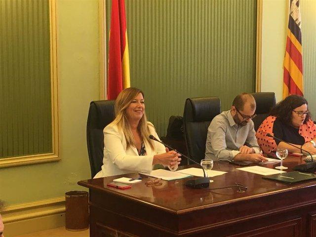 La consellera de Salud y Consumo , Patricia Gómez, en la comparecencia en la Comisión de Salud del Parlament.