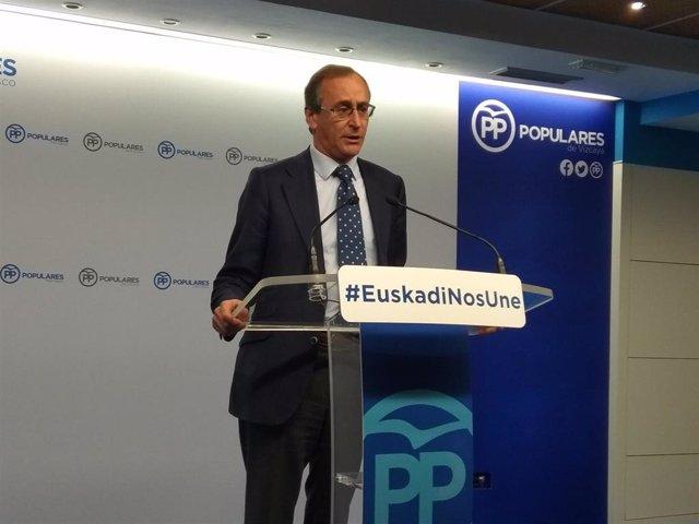 """Alonso (PP) reivindica la foralidad vasca y se desmarca del """"nacionalismo histriónico"""" de VOX."""