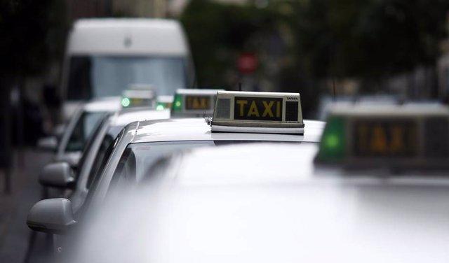 Imatge d'arxiu de taxis.