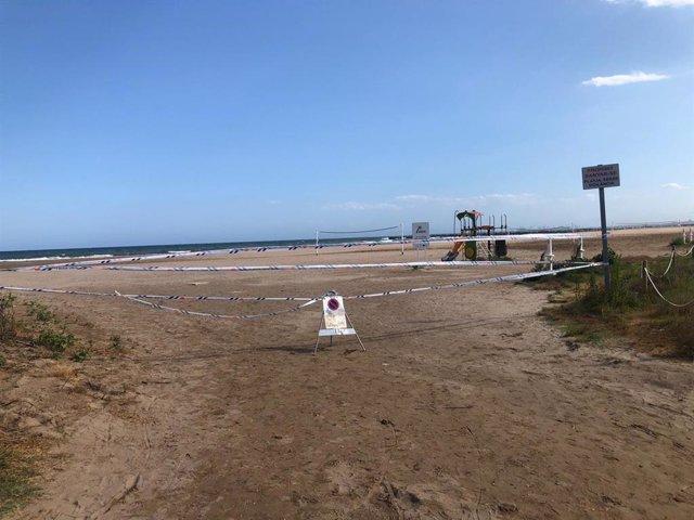 Playa cerrada en Massamagrell
