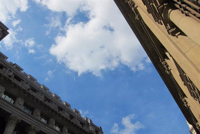 Nubes y claros en Bilbao
