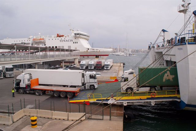 Transport de mercaderies al port de Palma.