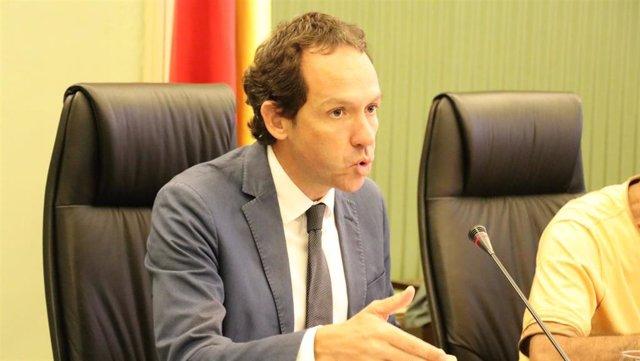 El conseller de Movilidad y Vivienda, Marc Pons, en la comparecencia parlamentaria.
