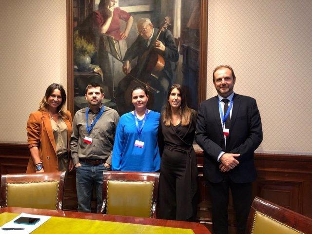 Ciudadanos se reúne con víctimas del Alvia en el Congreso
