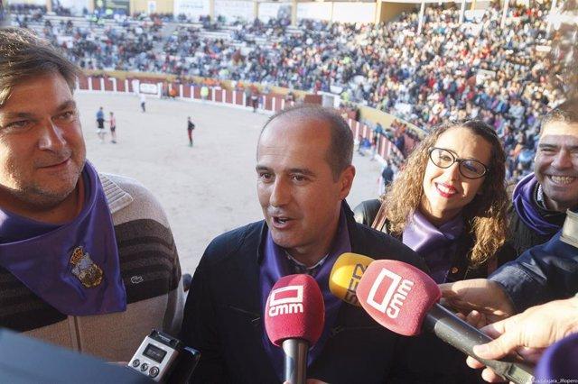 Ndp Ayto Guadalajara Rojo Anuncia El Inicio De Expediente Para Que Los Encierros De Guadalajara Sean Declarados Fiesta De Interés Turístico Regional
