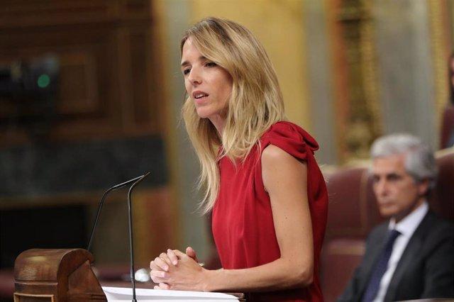 La portavoz del PP en el Congreso, Cayetana Álvarez de Toledo, durante el Pleno extraordinario en el Congreso para tratar la gestión del 'Open Arms'.