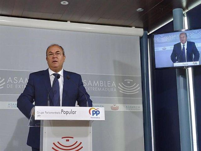 José Antonio Monago en rueda de prensa en Mérida.