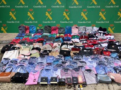 Intervenidos 465 productos falsificados durante las fiestas de Laredo