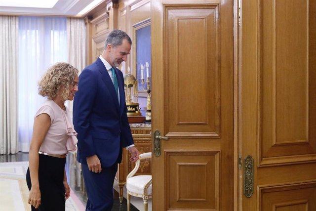 El Rei Felipe VI rep en audiència a la presidenta del Congrés, Meritxell Batet, en el Palau de la Zarzuela.