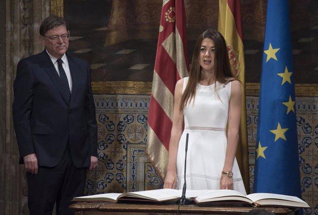 La consellera de Innovación, Universidades, Ciencia y Sociedad Digital de la Generalitat Valenciana, Carolina Pascual, jura el cargo junto al 'president' Ximo Puig.