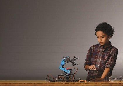 Schneider Electric lanza 'Se Mueve', un proyecto de robótica inclusiva para niños en riesgo de exclusión social